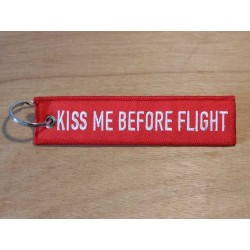 "Porte clés ""KISS ME BEFORE FLIGHT"""
